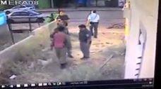 שוטרים מכים חייל