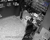קבוצת גורמי עבריינים ניסו לסחוט באיומים חנות סלולרית ברמת גן,הם